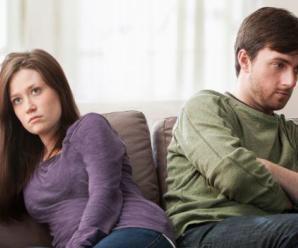 Ayrılmak İsteyen Erkek Nasıl Davranır? Bu 10 İpucu Çok İşinize Yarayacak!